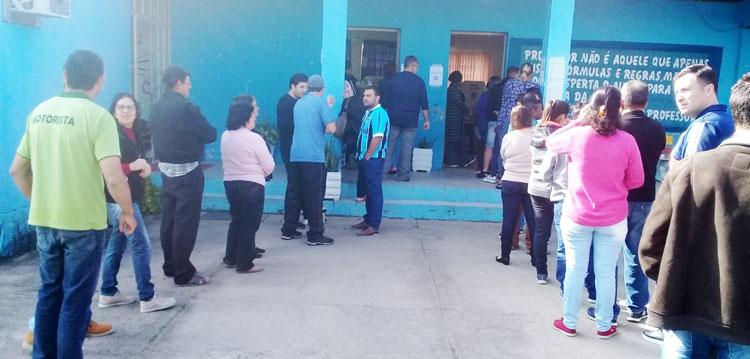 Partidos se reúnem para decidir posição no segundo turno