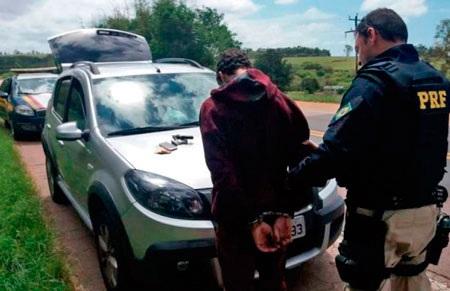 Polícia recupera veículo roubado no km 349 da BR-116 em Tapes