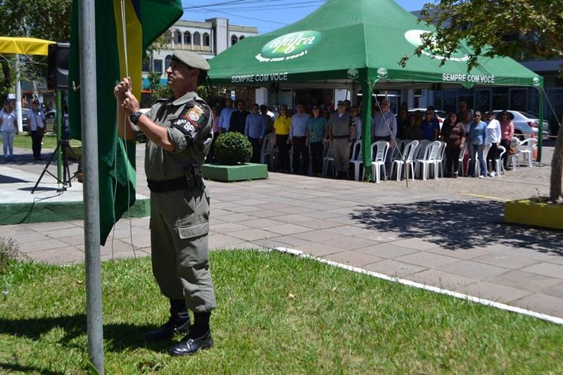 Camaquã promove ato em homenagem ao Dia da Bandeira