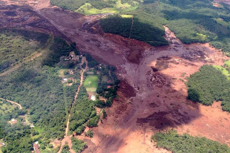 Cerca de 200 desaparecidos no rompimento da barragem de Brumadinho