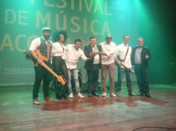 festival_acostadoce001