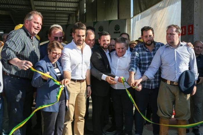 Ministra e governador abrem oficialmente o Pavilhão da Agricultura Familiar na Expointer
