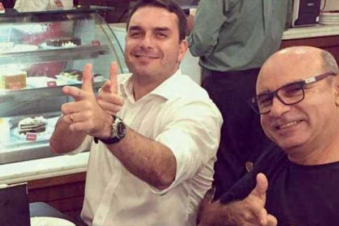 Gilmar suspende processos que miram Flávio Bolsonaro no caso Queiroz