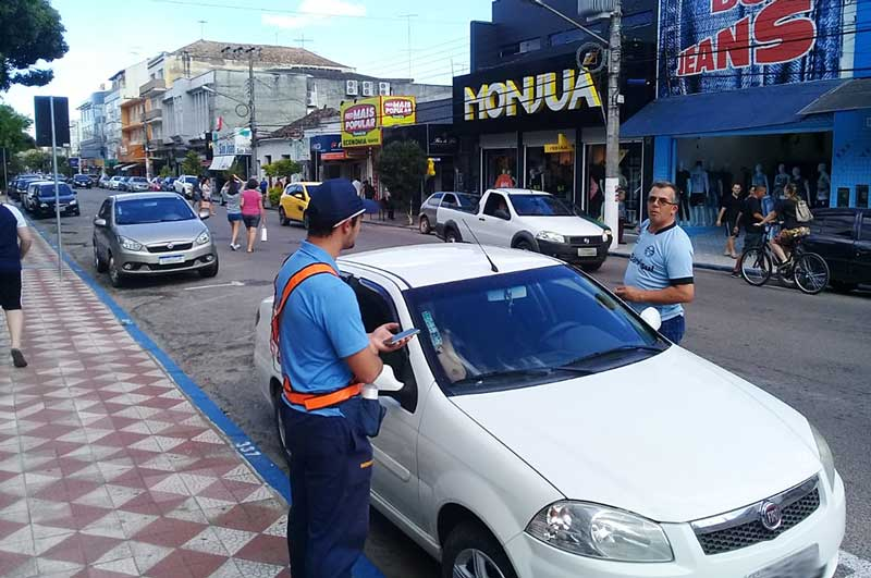 Sobram vagas de estacionamento no centro de Camaquã