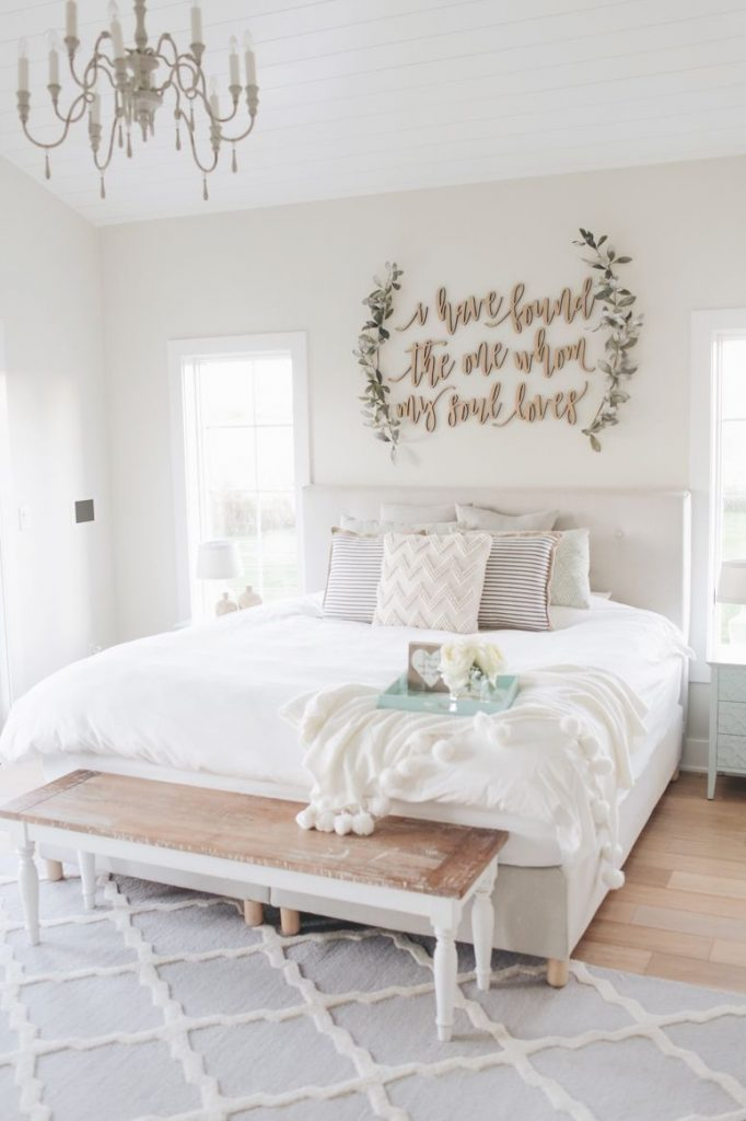 clean wall art decor for bedroom