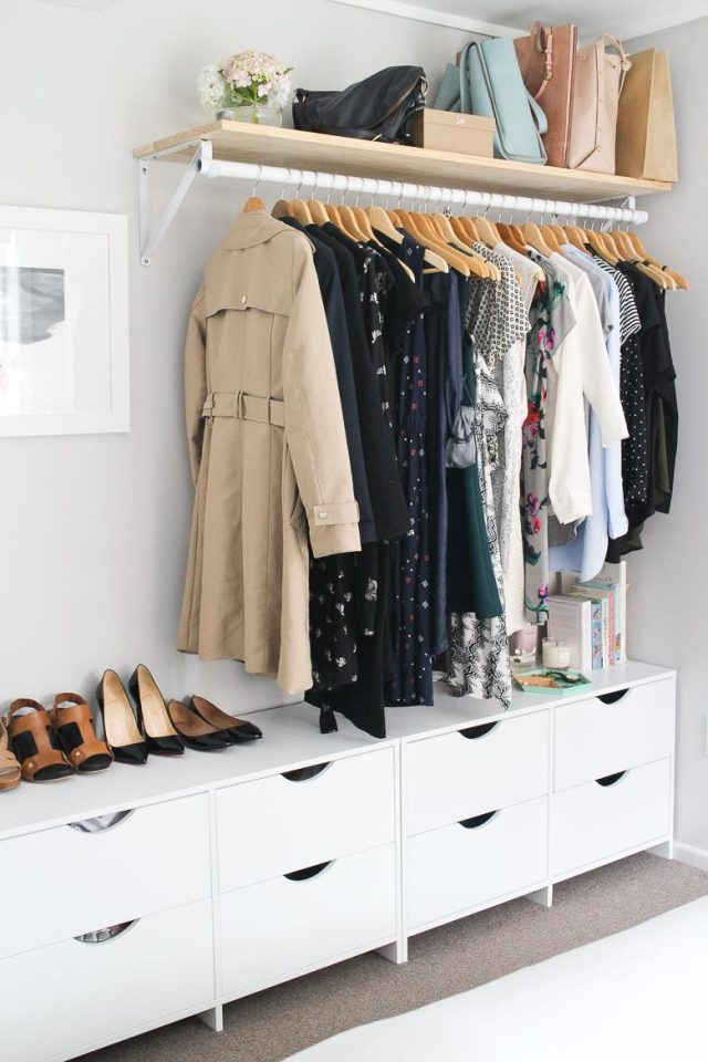 small bedroom clothes storage