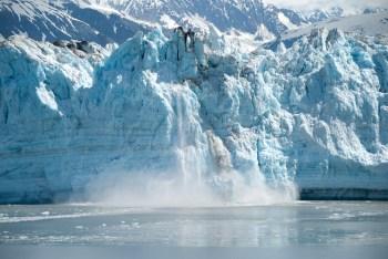 arctic-glacier-calving