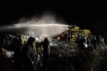 dakota-pipeline-waterhose