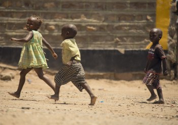 africa kids playing poverty pixabay