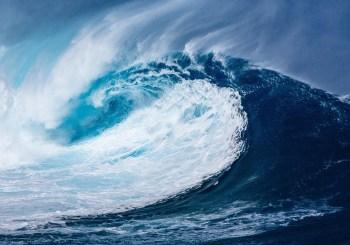 ocean wave crest
