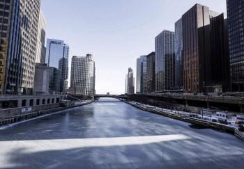 chicago river frozen