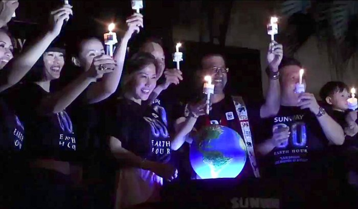 Click to go to earthhour.org