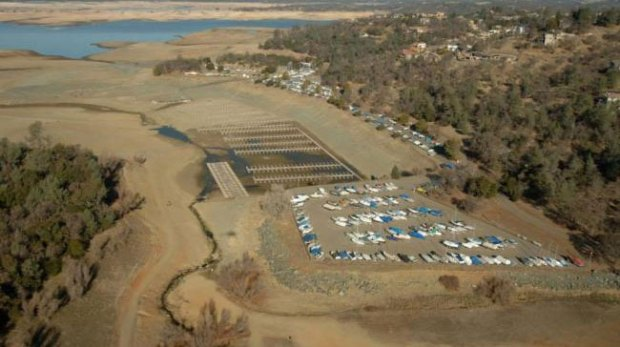 Folsom-Lake-USA-drought-before-after-2
