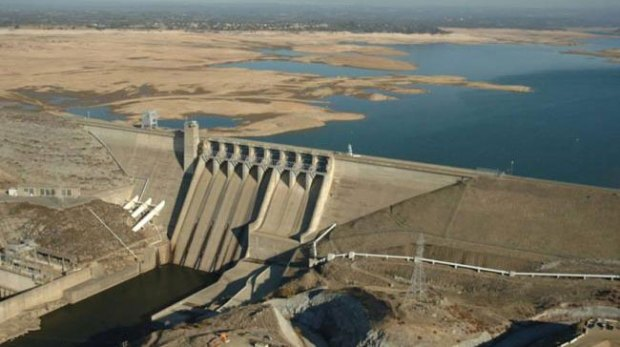 Folsom-Lake-USA-drought-before-after-4