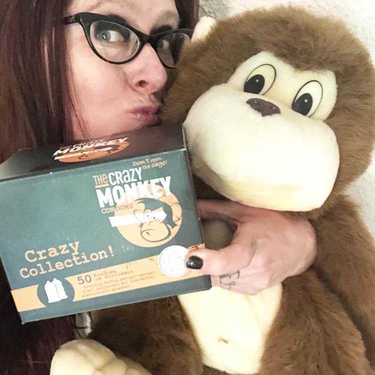 Dit is een afbeelding van crazy monkey monkey
