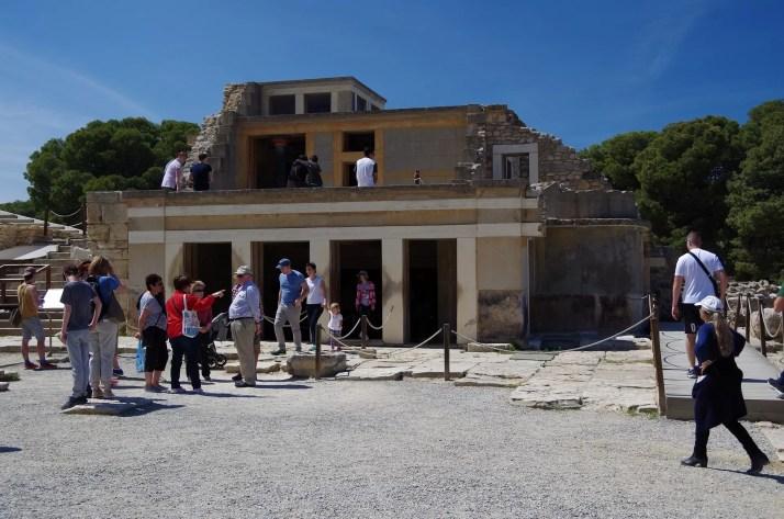turyści zamek Knossos