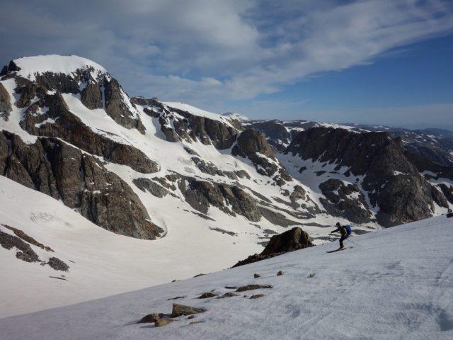 Skiing towards Gannet
