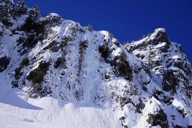 Snow Lake Line