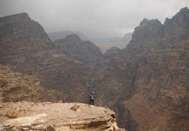 34. surplomber le wadi Siayygh