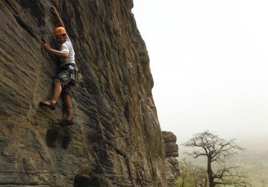 dans Rusty Monkey, Caveman Boulders