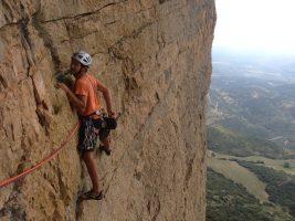 Dièdre Farreny a la Roca Alta, Vilanova de Meïa, Espagne 12