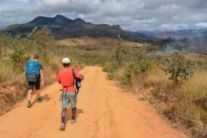 Sur la piste du Tsaranoro, Étape 1 - Sendrisoa à Ambalamanandray, Vallée de Namoly, Madagascar 12