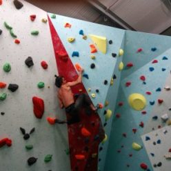 Victor utilising a deep drop knee at Awesome Walls