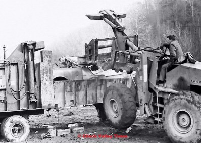 NimoFilm_2177 car crusher 1955 Pontiac
