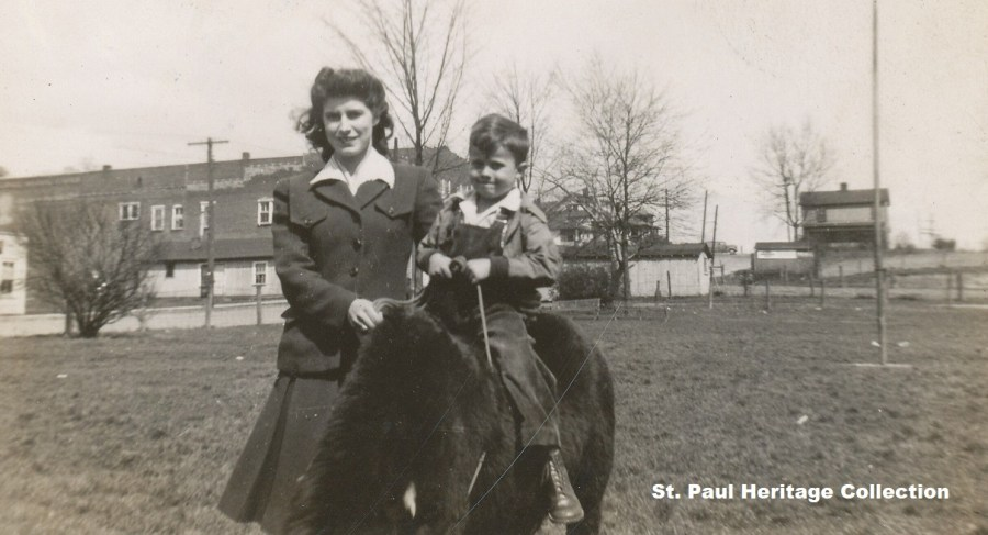 Mescal Stanton & Sam St Paul Park 1944