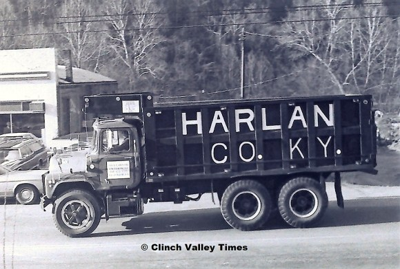 1975 Convoy (21)