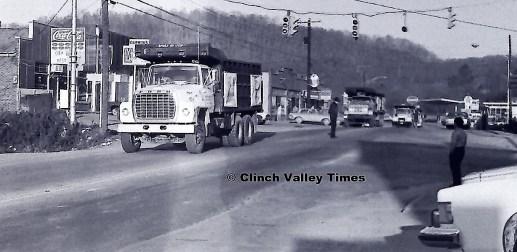 1975 Convoy (3)