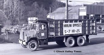1975 Convoy (32)