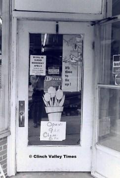 stores closed (4)