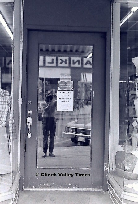stores closed (5)