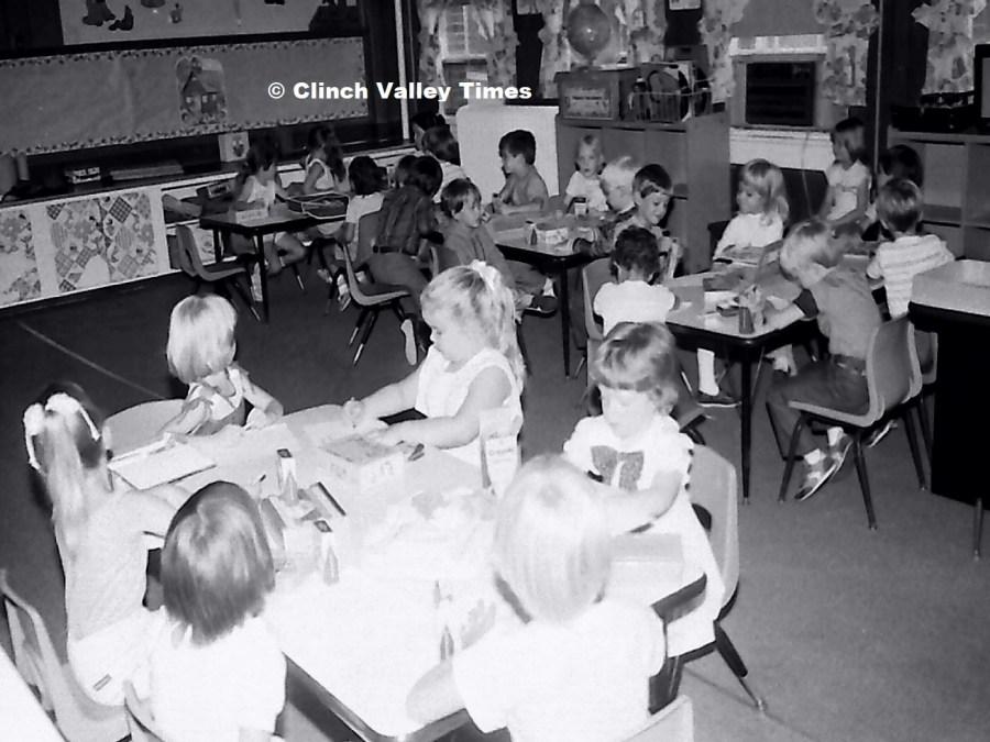 NimoFilm_3586 St. Paul School - first day 1985-86