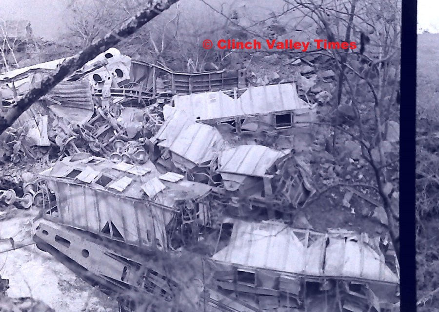 NimoFilm_8975 Clinchfield Train Derailment