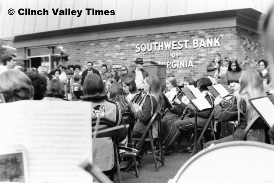 Southwest Bank grand opening Nov. 1971 (14)