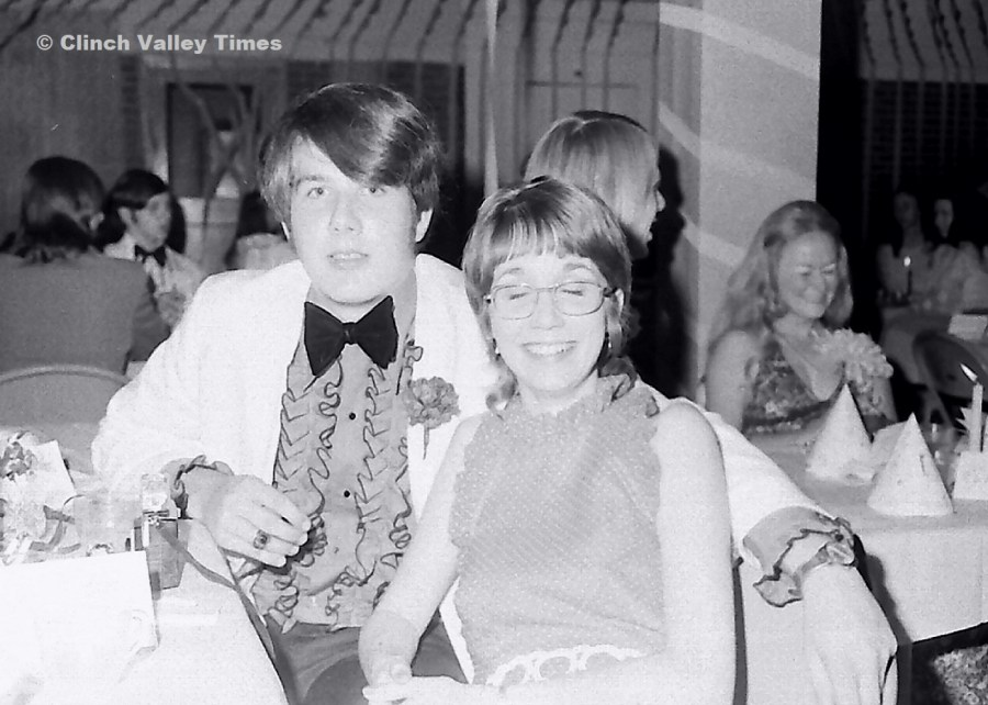 NimoFilm_1742 SPHS Prom 1973, Robert Stewart, Angela Lewis, Billy Salyers