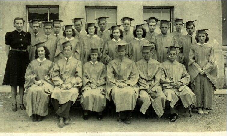 1940 Graduates Photo