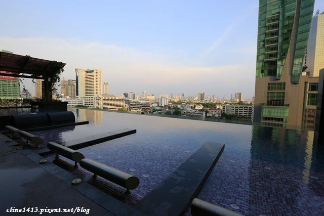 ▌曼谷住宿推薦▌CP值超高的時尚設計感飯店♥Mode Sathorn Hotel♥無邊際泳池、高空酒吧!30秒就到捷運站BTS(Surasak站)