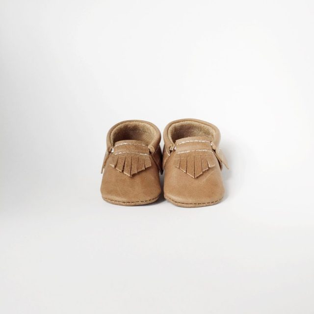 sale_|distressed_brown_|original___bow_moc|