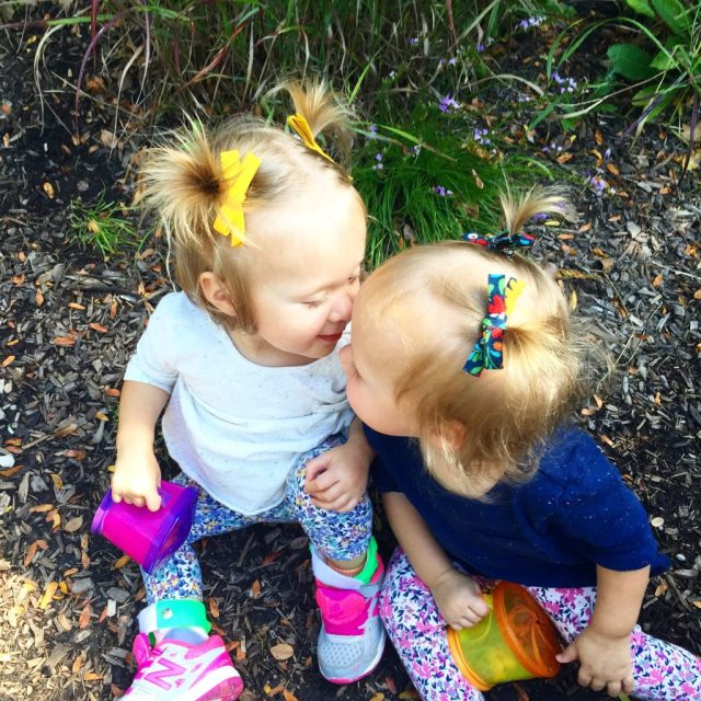 twin toddler kisses