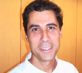 Dr. Javier Vila Martin cirujano oral en Clínica Dental Basi