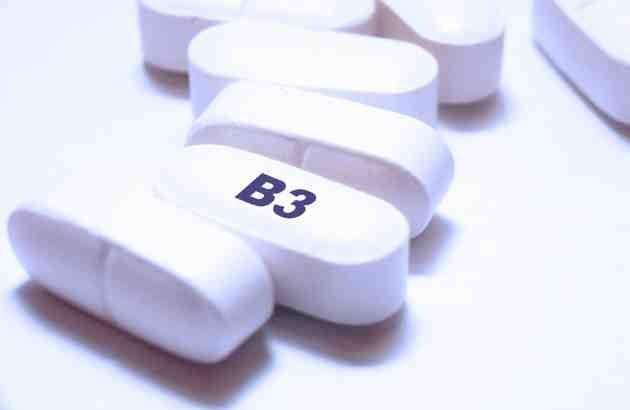 Tomar una píldora de nicotinamida dos veces al día durante 12 meses, redujo la incidencia de nuevos casos de cánceres adicionales no melanoma en un 235 en relación con los controles de placebo.