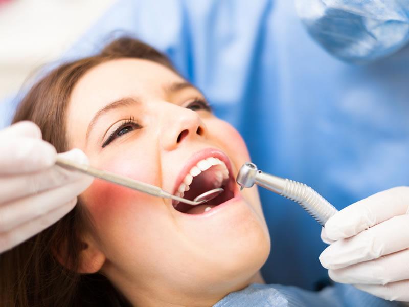 ¿Adiós a los empastes?  Hallada la forma de regenerar el esmalte dental