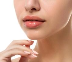 imagen mujer labios y mano