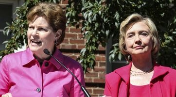 Clinton appears in Portsmouth, NH with Sen. Jeanne Shaheen for a campaign rally on September 5, 2015. (Credit: Cheryl Senter / The Associated Press)
