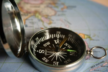 magnetic-compass-390912
