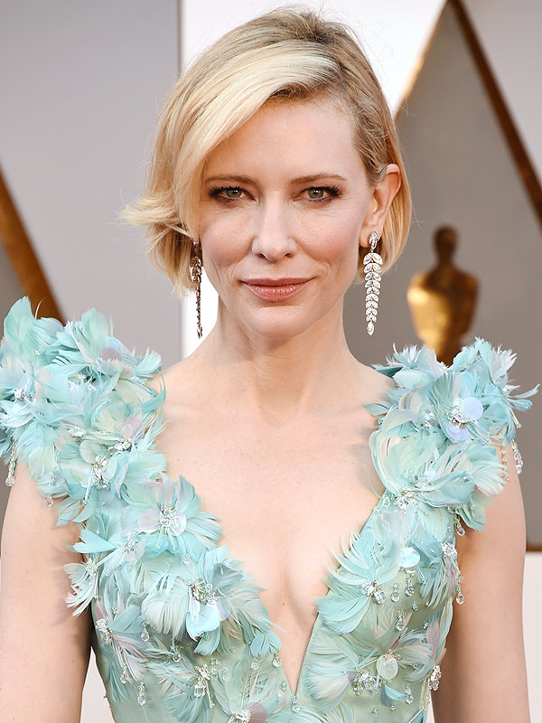 cliomakeup-star-over-40-beauty-follie-cate-blanchett-capelli-oscar