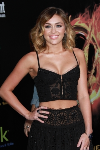 """The Hunger Games"" Los Angeles Premiere - Arrivals"